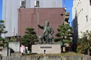 柴田勝家の銅像
