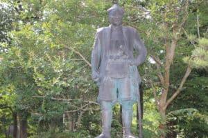 直江兼続の像