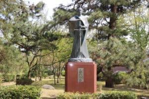 越中・高岡城にある高山右近の銅像