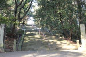 加藤清正の銅像への石段