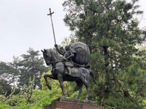 前田利家の騎馬像