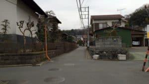 小机城登山口への入口