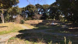 横須賀城の松尾山の郭