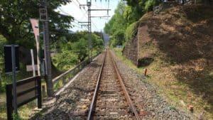 長篠城を分断する飯田線