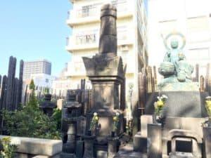 阿茶局の墓