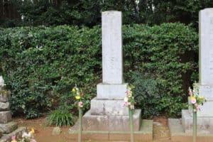 龍潭寺の井伊家墓所にある井伊直盛の墓