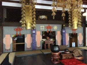 龍潭寺の本堂内部
