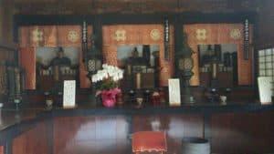 井伊家霊屋の木像