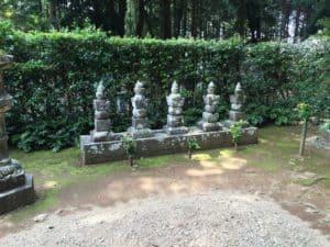 井伊直虎の墓など