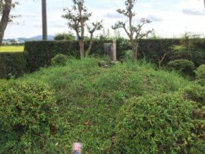 堀川城の首塚