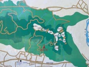 河村城の縄張図