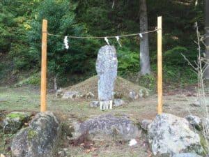 雛鶴神社の雛鶴姫の墓