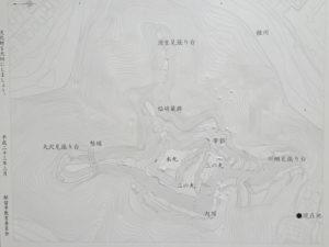 勝山城の縄張図