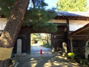 三宝寺・長屋門