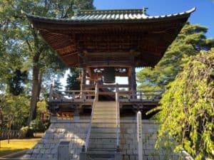 三宝寺の鐘楼