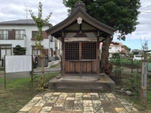 海老名氏の霊廟(霊堂)