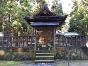 上杉景勝の墓