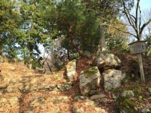 小谷城の黒金門跡