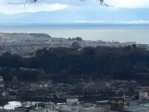 佐和山城から彦根城を望む