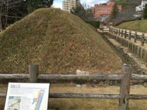 湯築城の遮蔽土塁