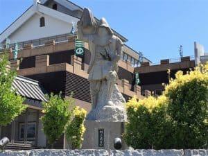 村上武吉の銅像