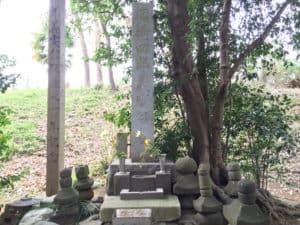 岡崎四郎義実の墓