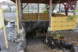 曽根城の湧水