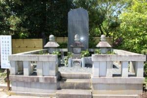 本多家墓所(本多忠勝の墓、本多忠朝の墓)