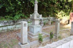村上武吉の養女(村上通康の娘)の墓