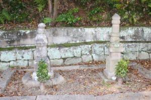 桂元澄夫妻の墓