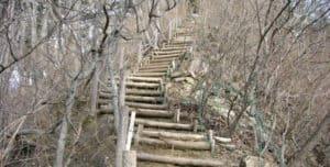 子王山城の階段