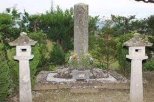 諸角豊後守の墓