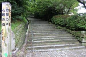 唐津城の登城口