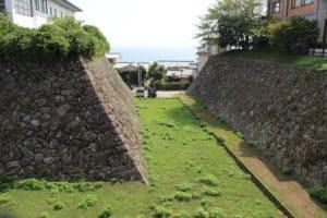 日出城の空堀