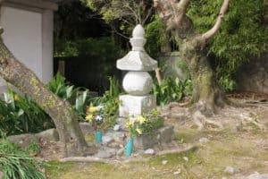 戸次川戦没者の供養塔