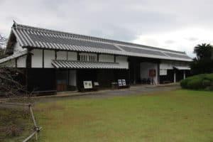 鍋島陣屋の長屋門