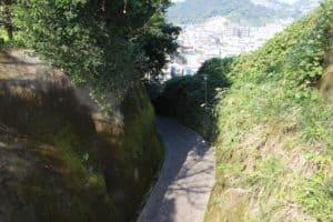 浜崎城と東福寺城の堀切