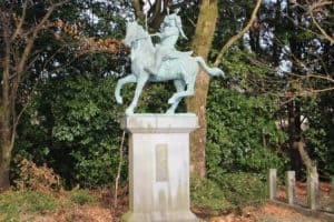 菊池武時の銅像