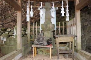根羽の信玄塚