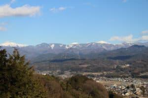 松岡城から南アルプスを望む