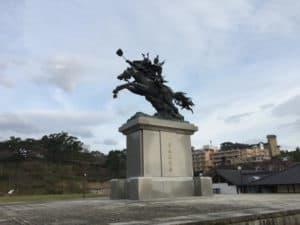 菊池武光の騎馬像