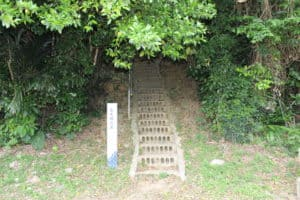 鬼大城の墓入口