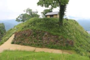 月山富田城の二の丸