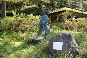 佐々木小次郎の銅像