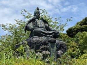 源頼朝の銅像